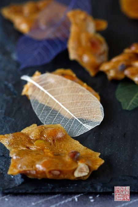 Almondbrittleleaves